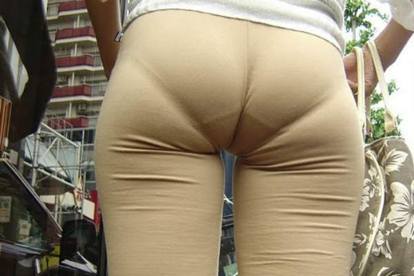 not-wearing-panties-with-yoga-pants